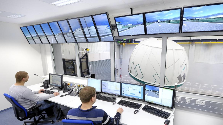 Leitwarte Stuttgart Fahrsimulator (c) IVK Stuttgart